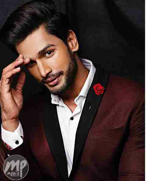 Meet the world's Most Desirable Man... Rohit Khandelwal