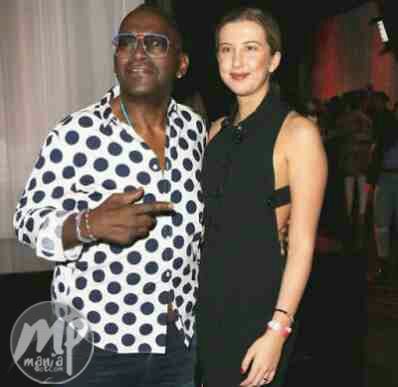 Are you kidding me? 60 yr old Randy Jackson, sags his jeans, reveals himself