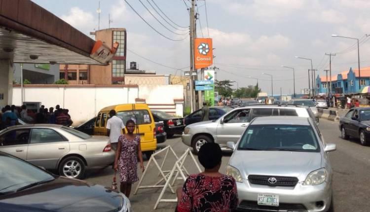 q2-750x430 Fuel Queues return in Lagos (Photos)