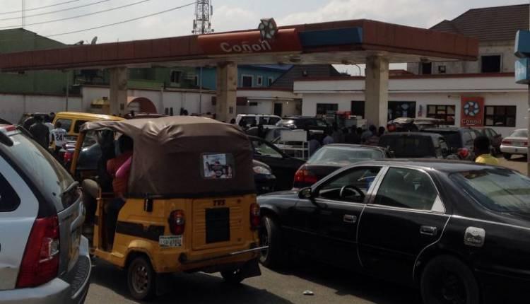 q4-750x430 Fuel Queues return in Lagos (Photos)