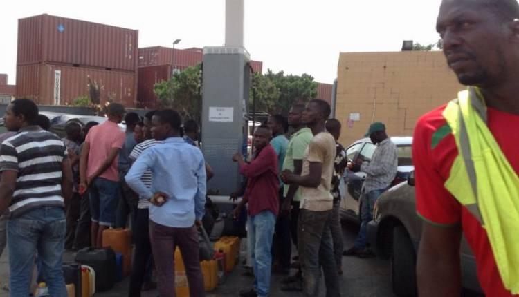 q5-750x430 Fuel Queues return in Lagos (Photos)