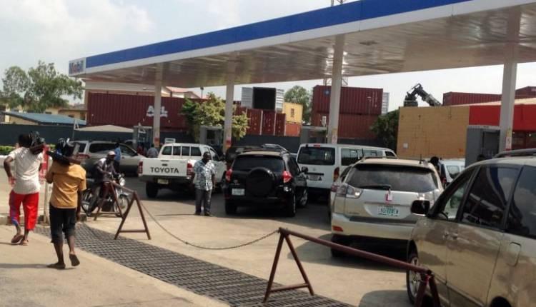 q6-750x430 Fuel Queues return in Lagos (Photos)