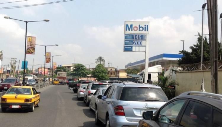 q8-750x430 Fuel Queues return in Lagos (Photos)