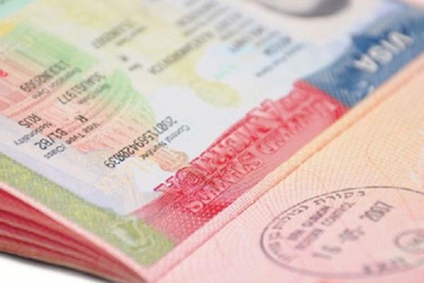 Nigeria: U S  Embassy suspends 'Dropbox' Visa renewals
